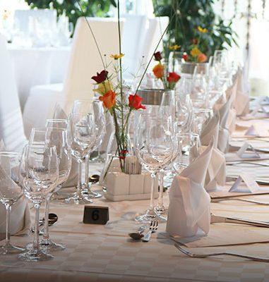Tischdekoration Firmen Feier