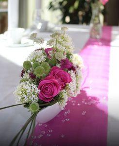 Tischdekoration zur Hochzeit Feier